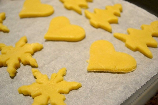 No-Fail Shortbread Christmas Cookies - serendipidiy.wordpress.com